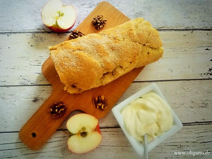 Biskuit Rollade mit Apfel und Walnuss Rezepte Backen Oligarto Blogzine