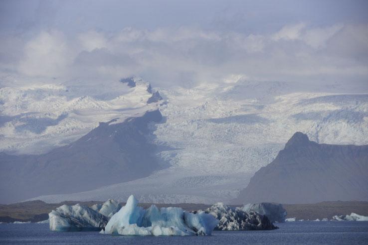 #gletscher lagune islan #reiselandtis #kreuzfahrtreisecenter #reiseland #urlaub #bilderundfilme