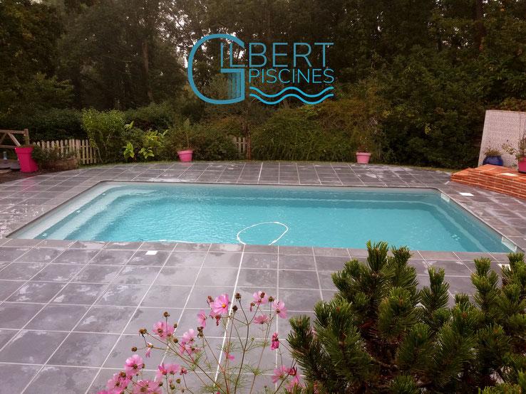 GILBERT_PISCINES_Installation_piscine_enterrée_coque_polyester_FRONTON-31620-31