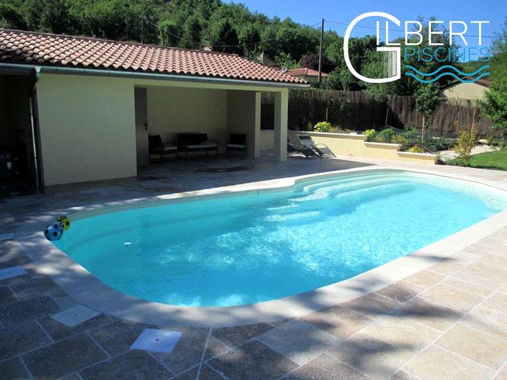 Installations constructions gilbert piscines sas for Piscine coque polyester corse
