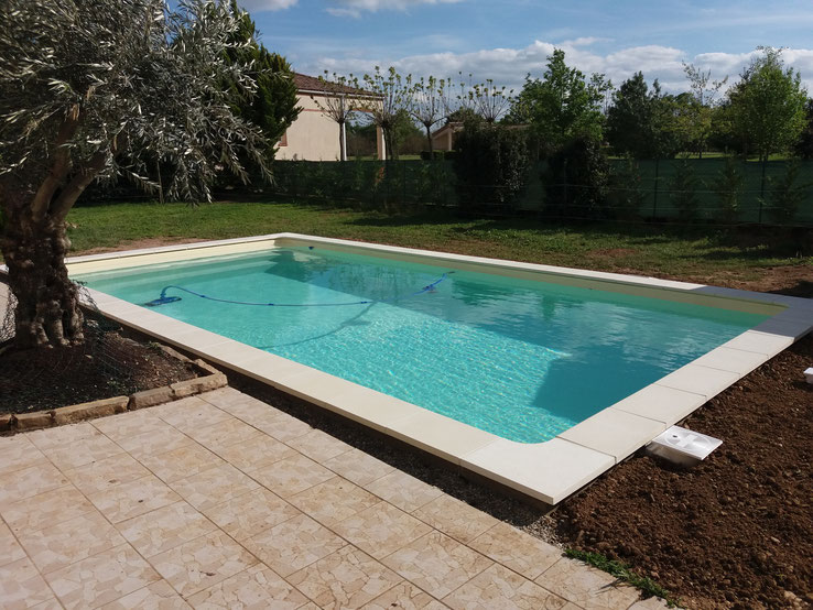 Installations constructions gilbert piscines sas for Piscine 8x4