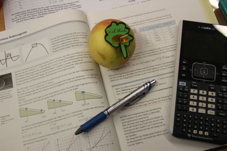 Bild mit Glücksapfel und Unterrichtsmaterialien