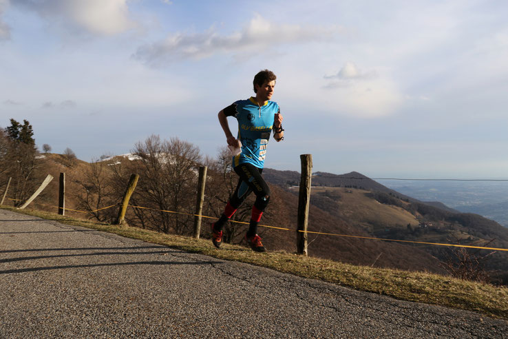 Training auf dem Monte Generoso mit Blick Richtung Milano.