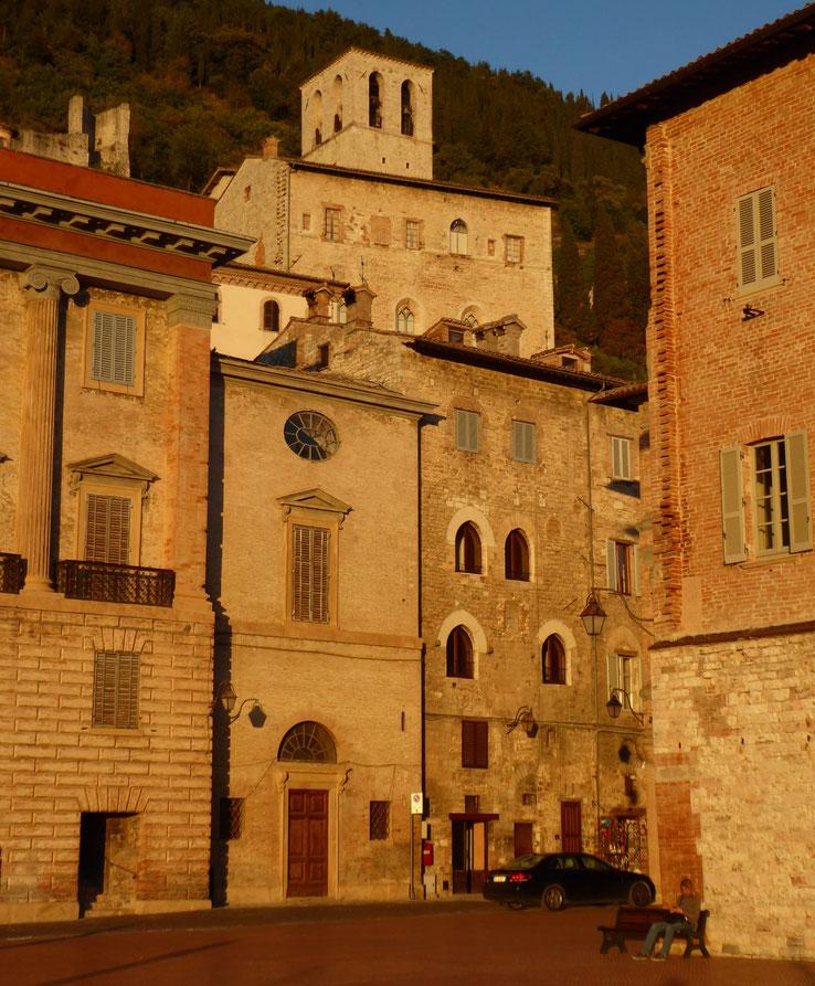Franziskusweg, Gubbio in der Abendsonne, Umbrien