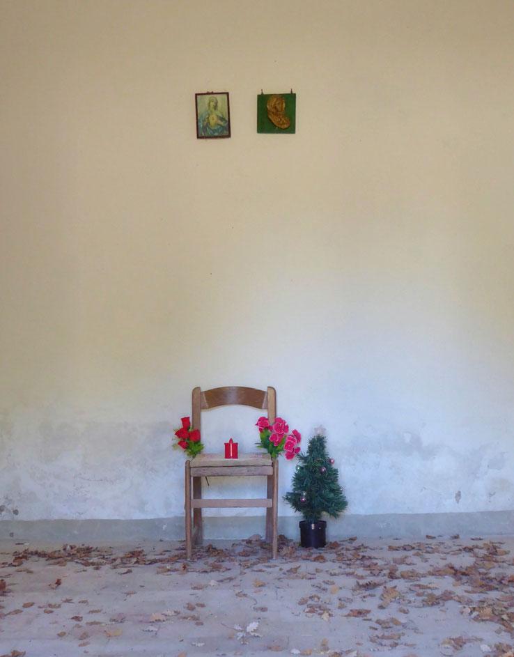 Franziskusweg, Verlassene Aussegnungshalle im Casentino, Toskana