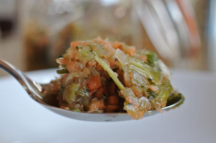 Feine Gemüsebrühe einfach selber machen - Gemüsesuppe Thermomix
