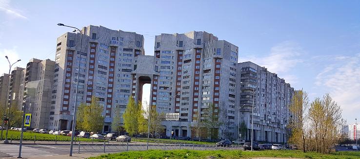 Der erste Eindruck von St. Petersburg: Ernüchternde Plattenbauten