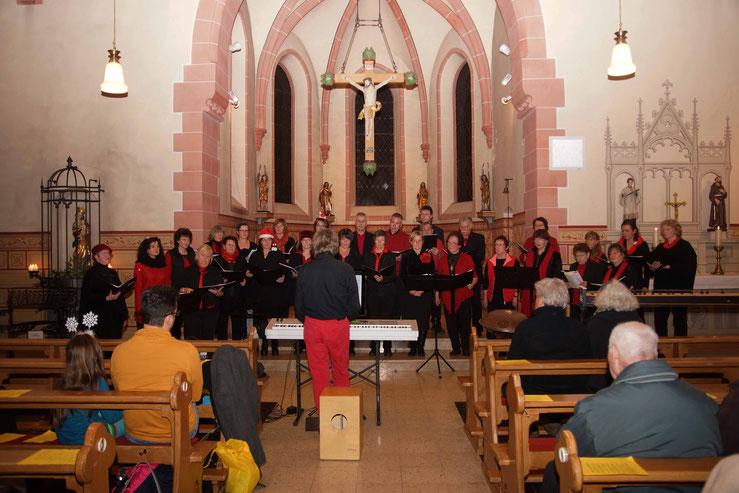 Der Wernborner Chor Da Capo beim Adventskonzert 2015