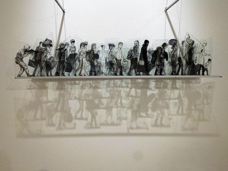 Glasscherben bemalt  38 x 120 x 21 cm