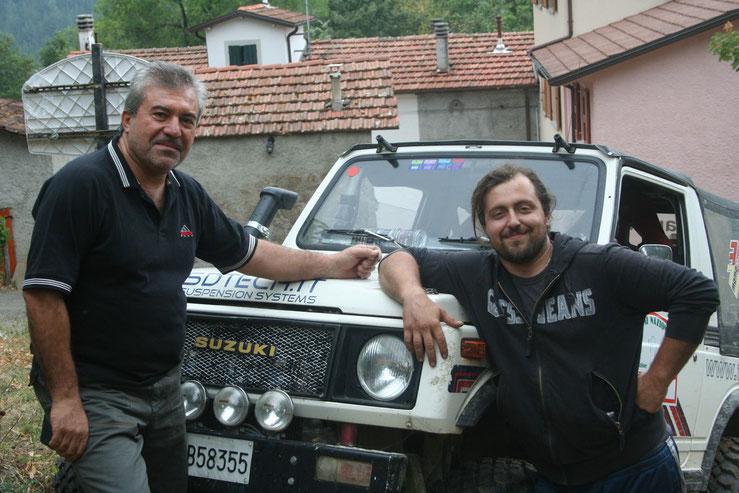 Loris, il meccanico (a sx) Alessandro, il pilota (a dx)
