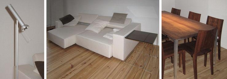 Stehleuchte / Sofa mit beweglichen Sitz- und Rückenpolstern / der Beistelltisch in C-Form kann unter/über die Sitzpolster geschoben werden, Essplatz: Tischplatte und Stühle aus massivem Nussbaum