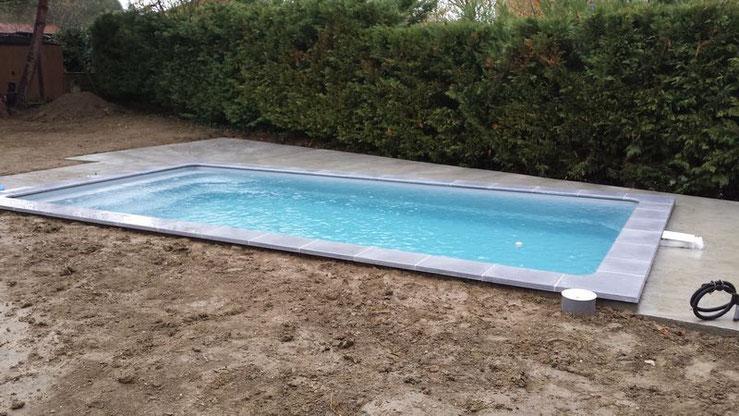 Piscine coque polyester ANAA 6.50 X 3.20  BOULOC 31620