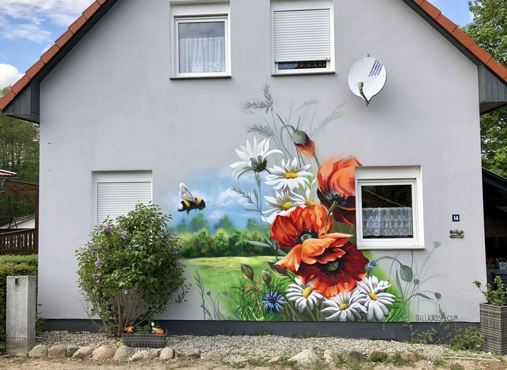 Gestaltung der Fassade mit einem Graffitiauftrag