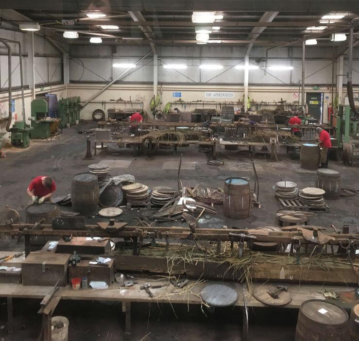 Der Arbeitsplatz der Küfer in der Speyside Cooperage