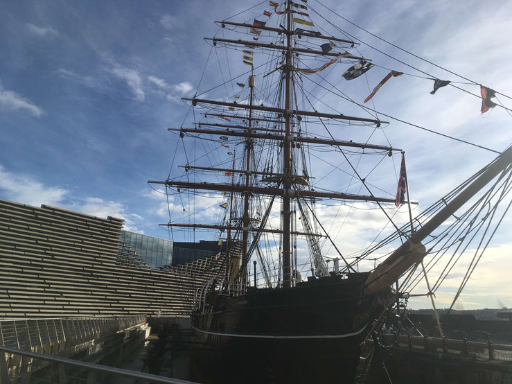 The RRS Discovery in front of the V&A Museum in Dundee