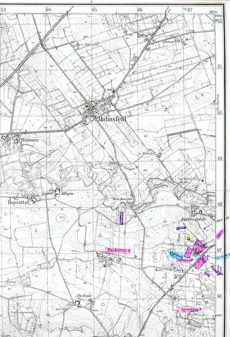 Nach Betty Scharmacher, geb. Bass aus Packerau: Packerau Dorf , rot markiert.  Oberhalb sowie rechts und vereinzelt darunter befanden sich die Abbauten von Packerau. Rechts der grössten Abbauten lag Tharau. Mahnsfeld gehörte schon zum Kreis Königsberg.