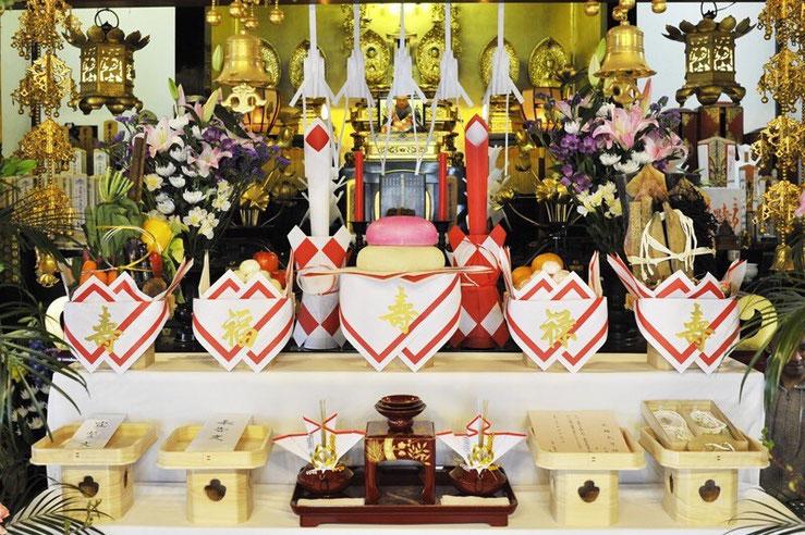 仏前結婚式の飾り付け