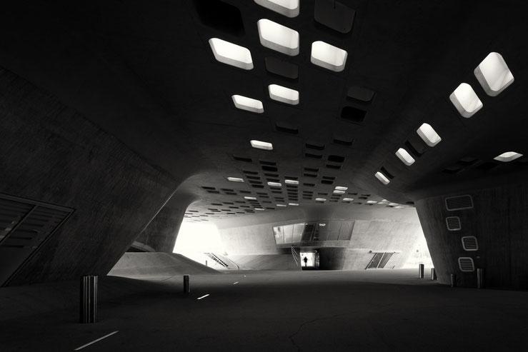 Phaeno Study #4 (Copyright Martin Schmidt, Fotograf für Schwarz-Weiß Fine-Art Architektur- und Landschaftsfotografie aus Nürnberg)