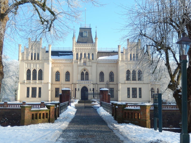 Evenburg  schloß Leer loga ostfriesland winter