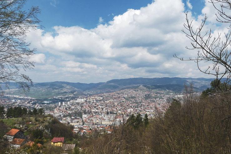 bigousteppes sarajevo bosnie herzégovine vue montagne ville capitale