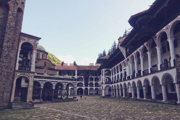monastere rila bigousteppes montagne bulgarie
