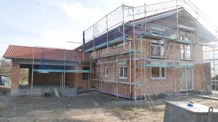 BV: Isny/Sommersbach Rohbau mit Dachstuhl und Fenster - Ausbau wird in Eigenleistung ausgeführt