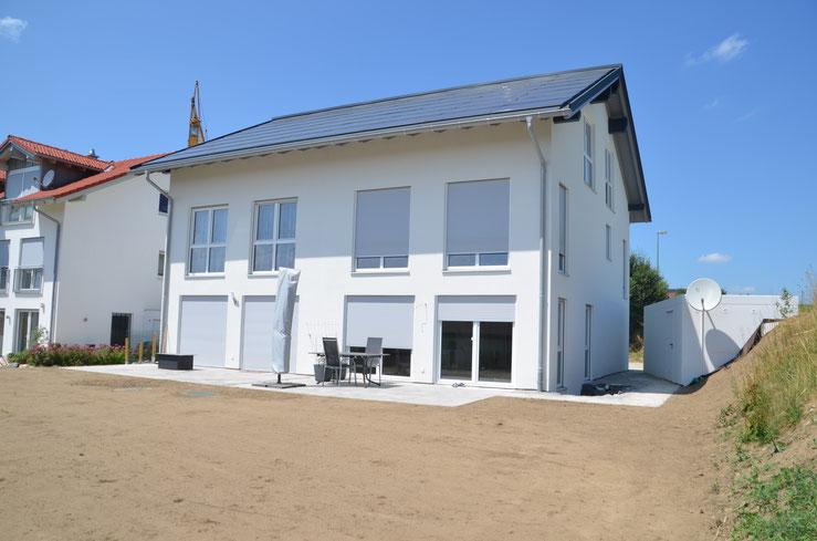 BV: Altusried Schlüsselfertiges Doppelhaus mit Garagen