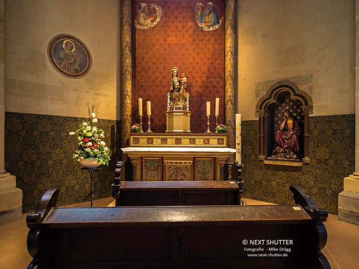Wer in der Liebfrauenkirche ein ruhiges Eckchen für ein Gebet sucht, wird hier nicht nur fündig sondern genießt auch einen besonders schönen Anblick.