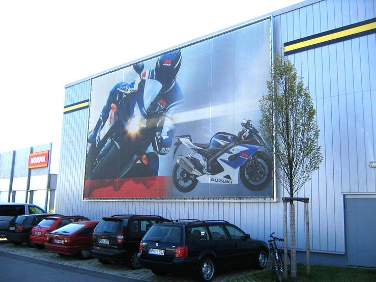 Blow Up Motorrad Suzuki