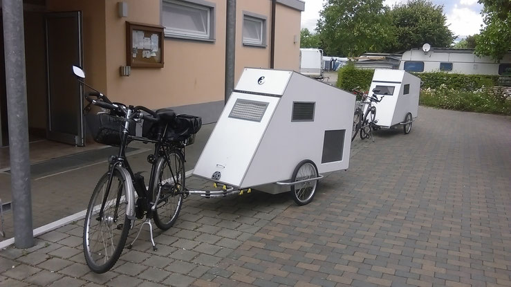 bildergalarie wohnwagen f r 39 s fahrrad webseite. Black Bedroom Furniture Sets. Home Design Ideas