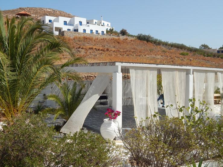yoga aérien avec Jyoti Yogi  à l'hôtel Alkon Syros Grèce