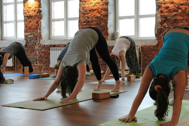 Workshops, Yoga, Pilates, Stretching für Vereine oder Freunde | Personal Training | Nadine Laizee | Yoga, Pilates, Stretching, Fitness, Workshops, Kizomba Dance | www.personaltrainer-nadine.ch