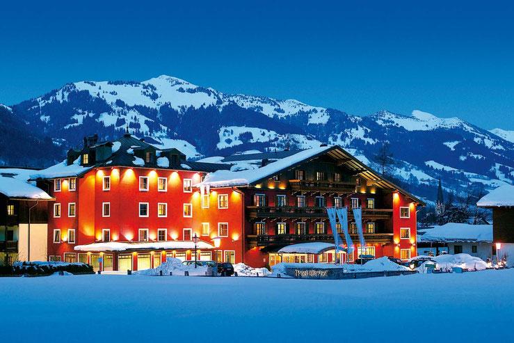 Aussenansicht im Schnee vom Kitzhof Mountain Design Resort