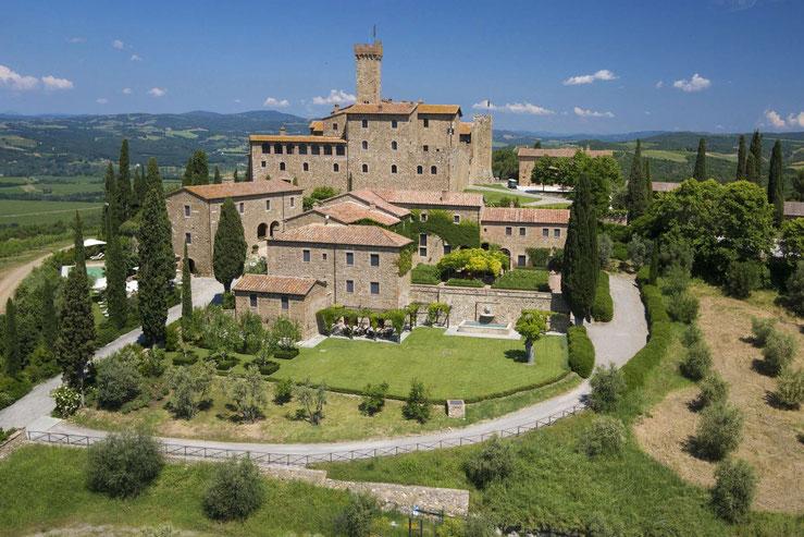 Castello Banfi Il Borgo von Süden