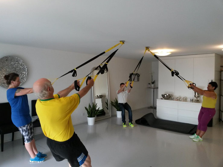 Kleingruppen-Training in physiotherapeutischer Begleitung anstelle von medizinischer Trainingstherapie