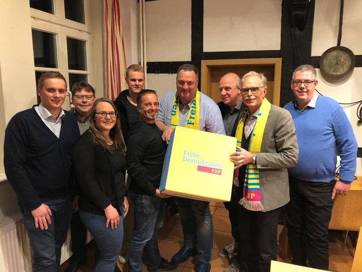 Der neue Vorstand der FDP Harsewinkel: (v.l.n.r.) Nils Landwehr, Christian Daut, Sonja Hirsch, Henrik Hanfgarn, Andreas Herse, Andreas Hanhart, Ralf Prattke, Wolfgang Schwake und Ingo Riedel.