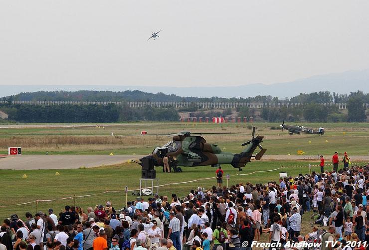 40 000 personnes show demo photos videos free flight master  pilote alphajet tator