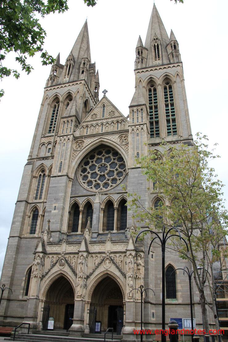 Sehenswürdigkeiten und Reisetipps Truro, England: Kathedrale von Truro