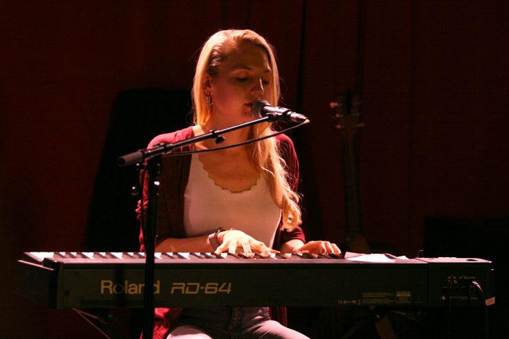 Maddy Rose bei einem Auftritt im Wombat's Wien. (c) miggl.at / Hans Jürgen Gernot Miggl