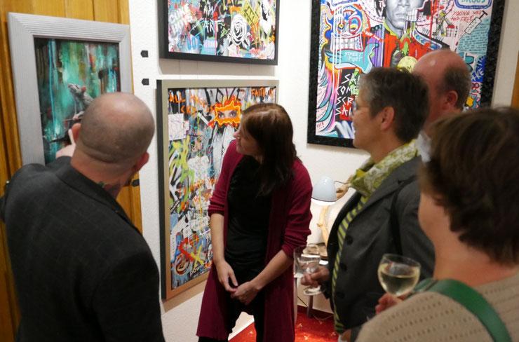 Über Kunst lässt sich wunderbar sinnieren - hier mit den Gemälde von Bjørge Rødfjell