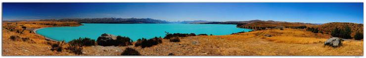 Sicht von Mt.Cook über den Lake Pukaki bei blauem Himmel.
