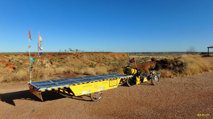 Solatrike with third trailer in Australia.
