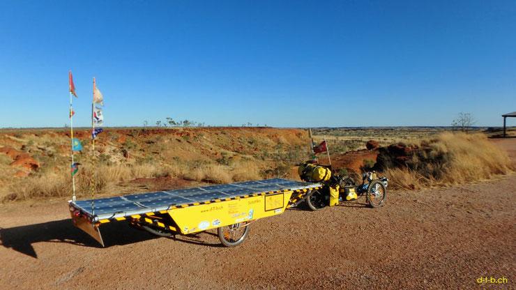Solar Trike: Solatrike with third trailer in Australia.