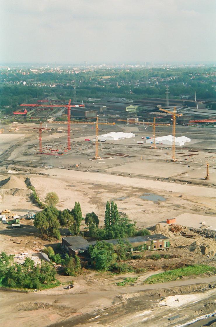Der Gasometer Oberhausen wird zwanzig Jahre, ein Geburtstagsgruss. Die Centro Baustelle und das E-Stahlwerk