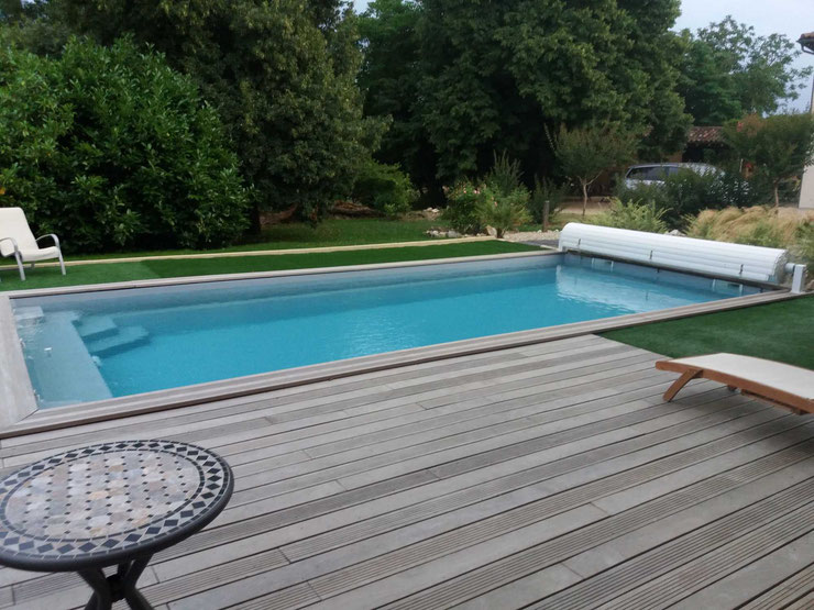 Installations constructions gilbert piscines sas for Piscine coque polyester hors sol