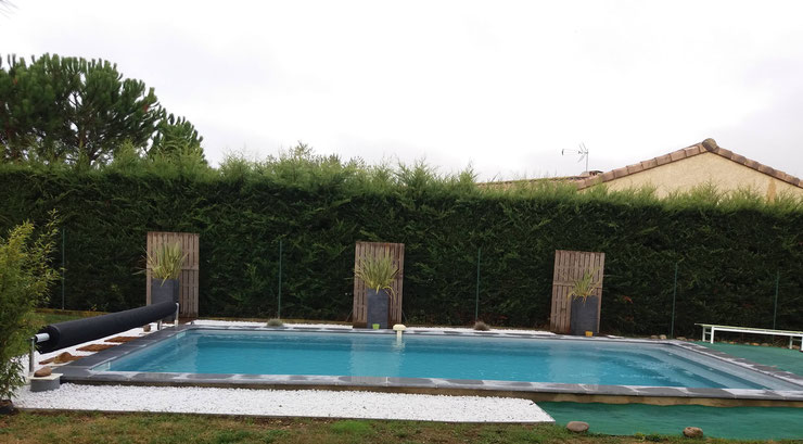 Installations constructions gilbert piscines sas for Construction piscine 8x4