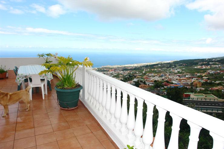 Dachterrasse mit Panoramablick bis nach Puerto de la Cruz