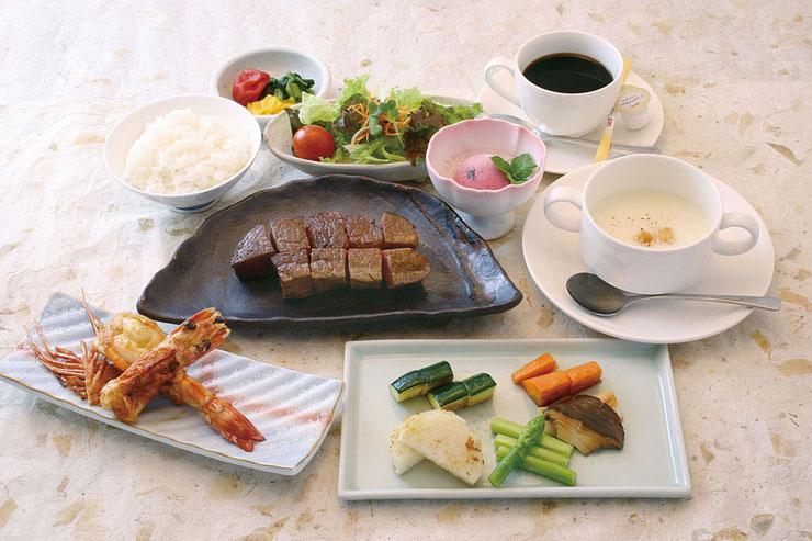 鉄板厨房ブライトン ステーキコース(一例)