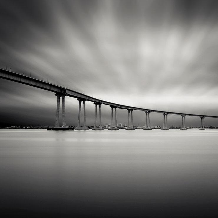 San Diego - Coronado Bay Bridge (Copyright Martin Schmidt, Fotograf für Schwarz-Weiß Fine-Art Architektur- und Landschaftsfotografie aus Nürnberg)
