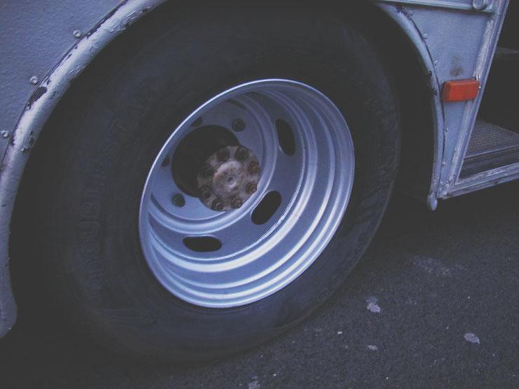 bigousteppes roue mecanique camion mercedes garage